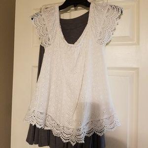 Tops - White lace crochet eyelet top sz L
